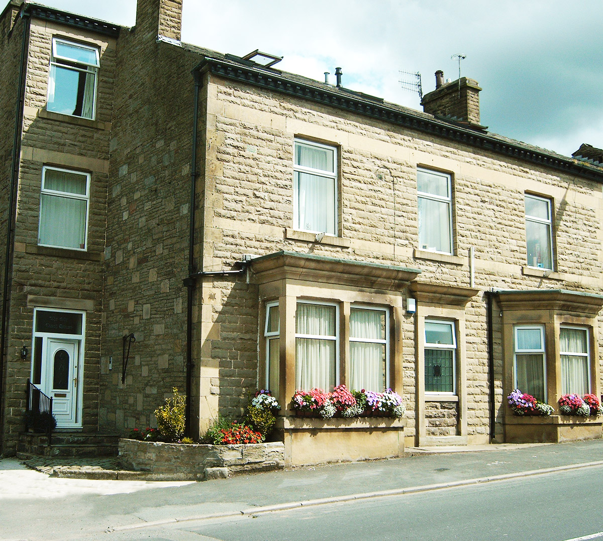 600 Front Street Apartments: Old Coaching House, Market Street, Edenfield, Ramsbottom